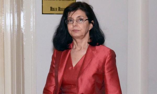 Кунева ядосана: Няма да се изплаша и откажа