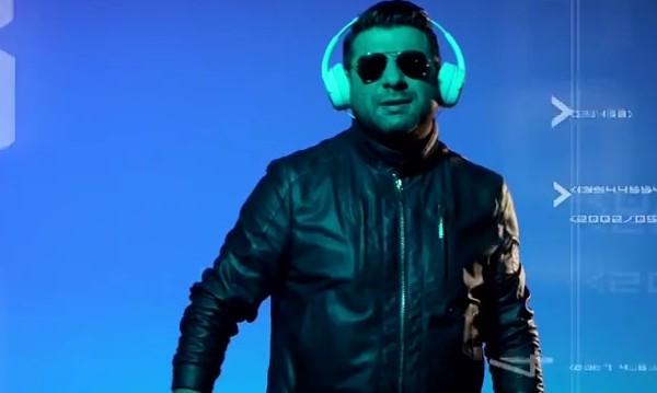 Тони Стораро с топ модел и нова песен за ЧРД