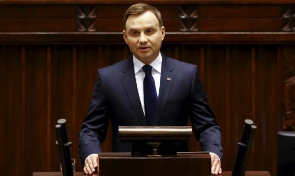 Полският президент заподозрян в злоупотреба с държавни средства