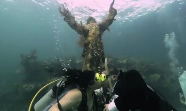 """Кажи ми """"Да"""" под вода!"""