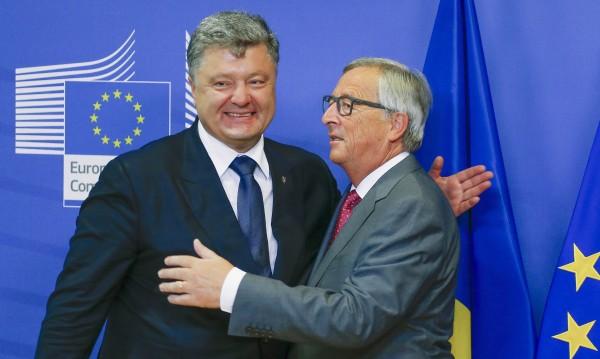 Юнкер обещава на Украйна падане на визите