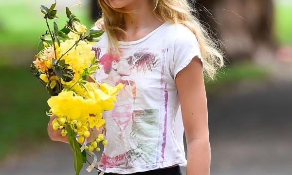 Цветопродавачката: Как родители експлоатират децата си?