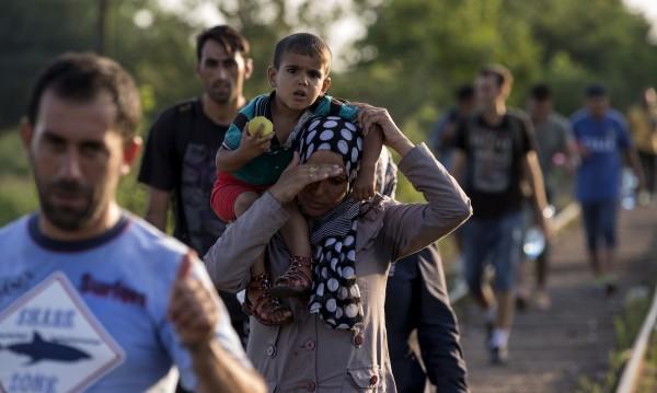 Над 50 хил. имигранти минали през Македония за месец