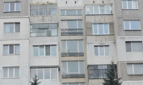 Жилищен блок в Русе се разцепи след ремонт