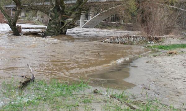 Труп на 13-годишно момче е открит в река Чепинска