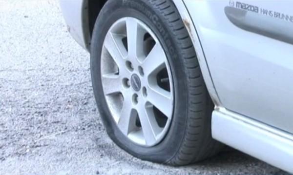 30 коли осъмнаха със спукани гуми в Казанлък
