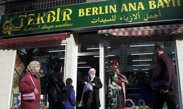 Турците в Германия: Не повтаряйте грешките с мигрантите!