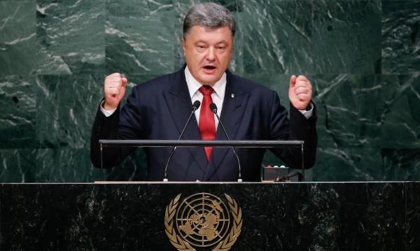 Порошенко обвини Москва в лицемерие за борбата с ИД