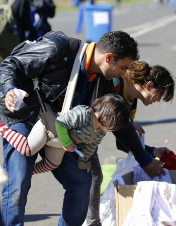 Помагаме на Унгария за кризата с бежанците