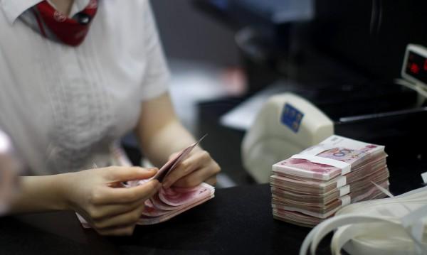 Властта прогнозира: Ръст на икономиката и на заплатите!