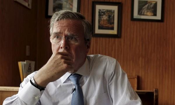 Джеб Буш обеща по-агресивен подход спрямо Русия