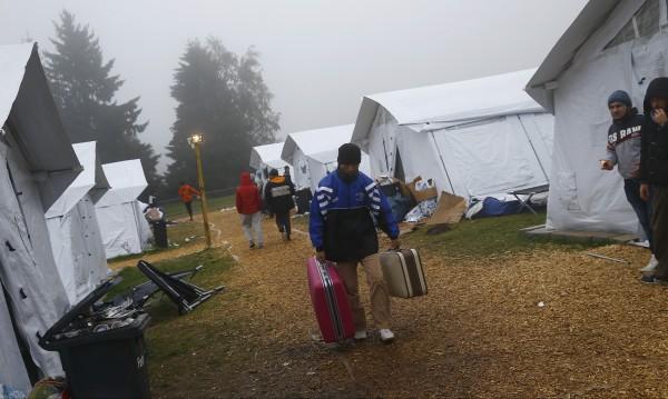 Над 700 мигранти избягали от бежански центрове в Германия