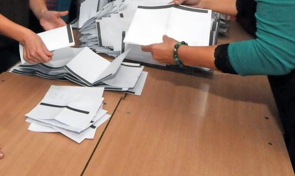 """""""Да""""-то на референдума – най-много от ГЕРБ и РБ"""