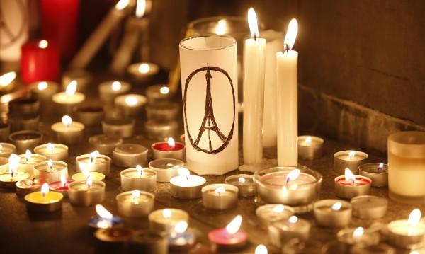 На косъм: Замислен бил и атентат до Айфеловата кула