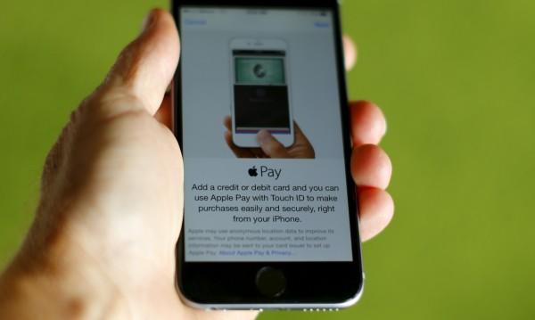 Китайците може да плащат догодина с iPhone?