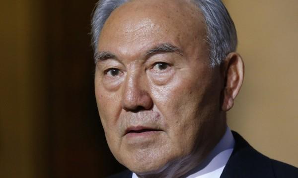 Путин се чу с Назарбаев, обсъжда коалицията срещу ИД