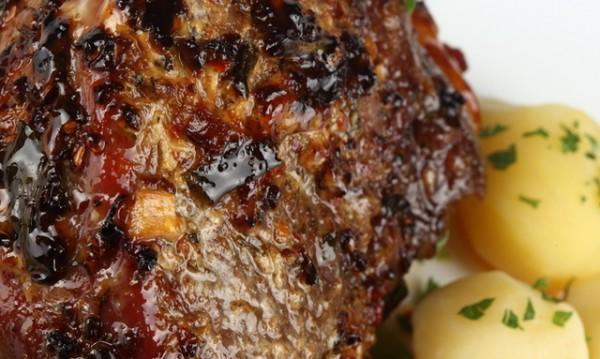 Рецептата Dnes: Свински джолан със сърца в гювеч
