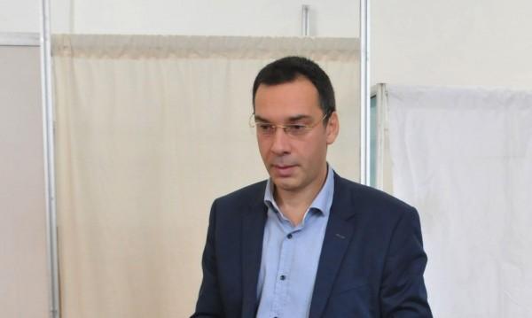 Бургаският кмет с подарък за всеки бездомник