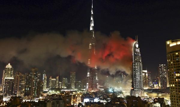 Пожарът в Дубайския хотел е потушен