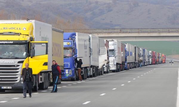 Спират тировете по магистралите за голямото завръщане