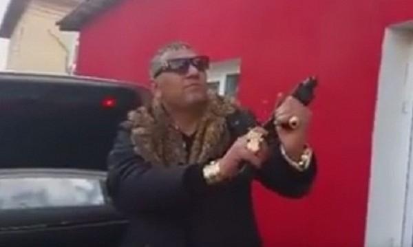 Стрелба в Пазарджик посред бял ден се появи във видео