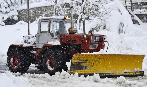 Сняг, студ и лед от утре в цялата страна