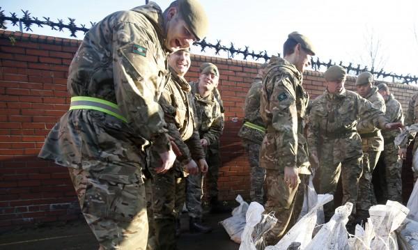 Разследват стотици британски войници за убийства