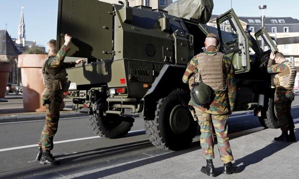 Военните в Белгия се включват в експулсирането на незаконни мигранти