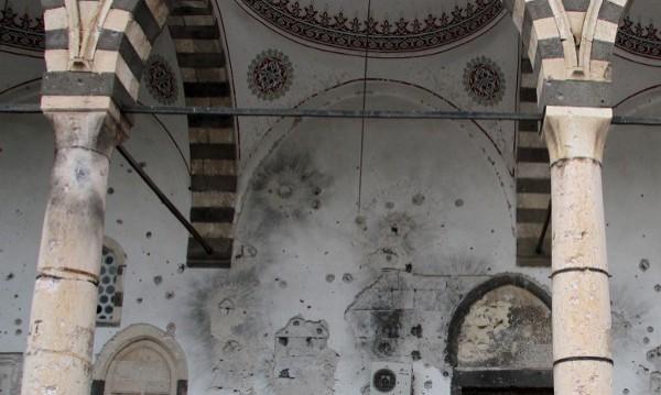 Две сунитски джамии бяха взривени в Ирак