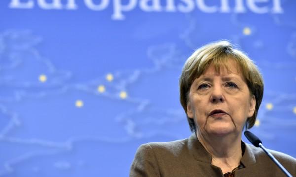 Бежанската криза може да разтърси Германия през 2016 г.