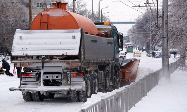 49 училища в страната затворени заради снега