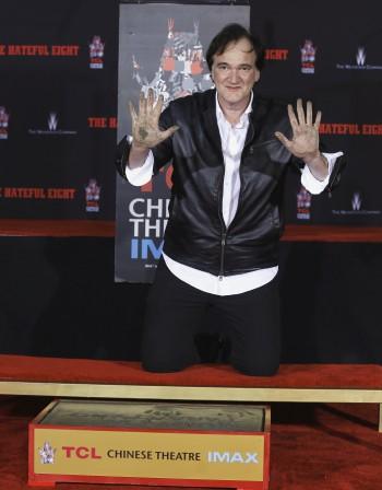 Тарантино с отпечатъци пред Китайския театър в Холивуд