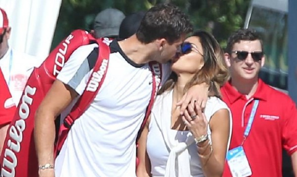 Няма скрито-покрито: Гришо и Никол се нацелуваха!