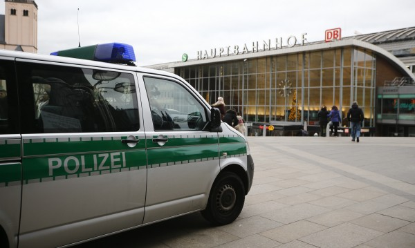 Защитник от Кьолн: Хърватин се изправи срещу насилниците
