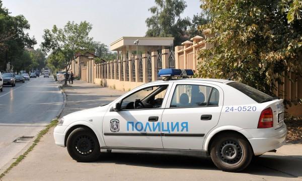 Обвиниха служители на ДАНС и МВР в изнудване за €30 хил.