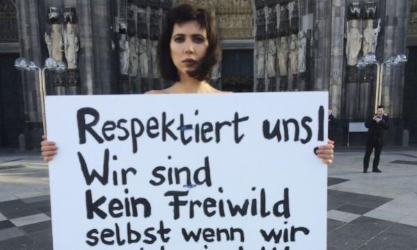Гол протест заради сексуалното насилие в Кьолн