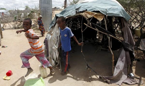 Холера бушува в най-големия бежански лагер в Кения