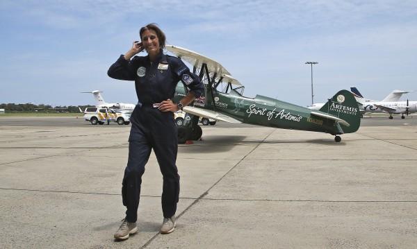 Британка повтори историческия полет на Еми Джонсън