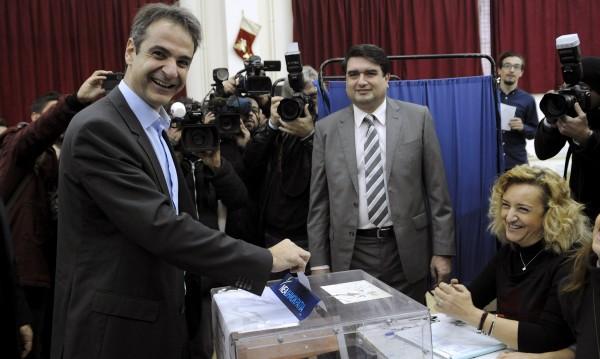 Гръцките консерватори си избраха реформатор за лидер