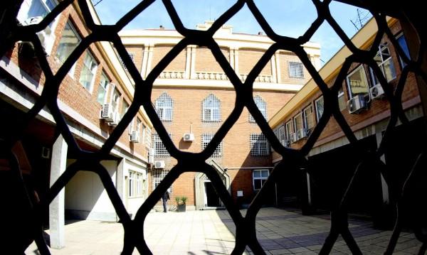 Затворник съди държавата за 500 бона - не бил лекуван