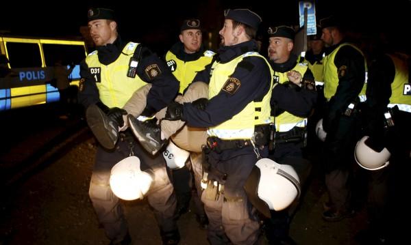 Шведската полиция скрила изнасилвания на фестивал?