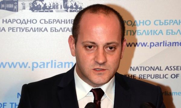 Кънев готви нов десен проект, цани се за президент