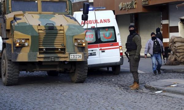 Петима убити след експлозия в провинция Диарбекир