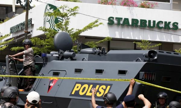 Арестувани са четирима за нападението в Джакарта