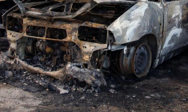 Лек автомобил изгоря в Ямбол