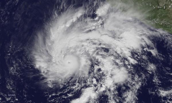 Задава се ураган, невиждан от 80 години насам