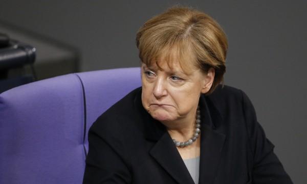 Германците все по-скептични към политиката на Меркел