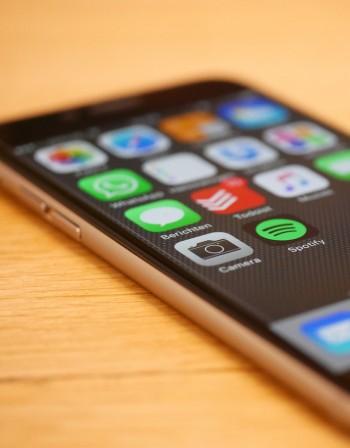 Поддоставчици на Apple ще бъдат засегнати от спада в търсенето на iPhone