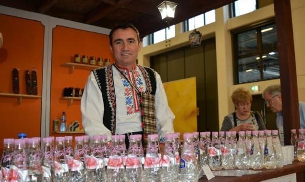 Германци пийват наше вино и мляко в Берлин
