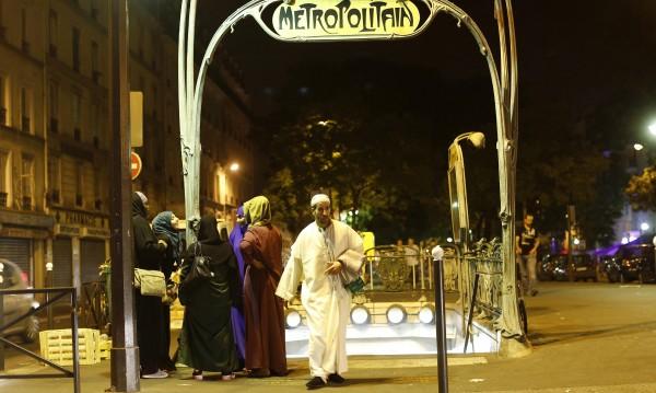 Мюсюлмански гробове в парижко предградие са поругани